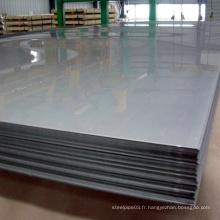 Une grande quantité de fournitures en acier inoxydable