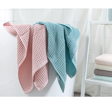 Cotton mesh lightweight dry waffle adult bath towel