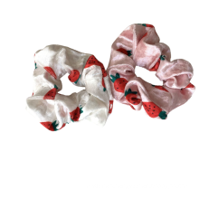 Chouchous kegatalan rambut Cute Coral Fleece Strawberry Thick Scrunchies Autumn Winter Elastic Hair Band Rubber for Girl Women Bun Tie Hair Accessories