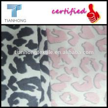 tela de franela impresa personalizada de ctton 100 Leopard diseño para la confección de pijamas