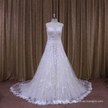 Jolie robe de mariée en dentelle Laryer 2016