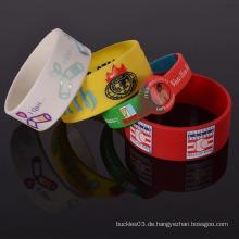Kundenspezifische billige Silikonkautschuk Armband freie Probe