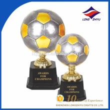 Kundenspezifische hochwertige Weltcup-Trophäe Metallfußball-Trophäe