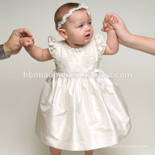 Robe de baptême de bébé fille dentelle blanche Robes de princesse infantile pour la tenue d'occasion formelle pour Garb Ceremonial Garb