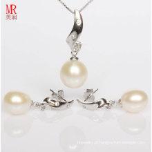 Conjunto de jóias de prata com pérolas brancas e CZ