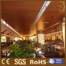 Bonne isolation thermique et résistance de sapin, plafond de WPC.