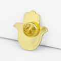 Le fabricant de goupille de revers adaptent la sécurité en métal en vrac émail main en forme de revers épingles