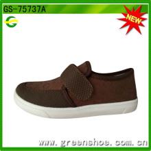 Chaussures moulées par injection populaire d'usine de mode bon marché