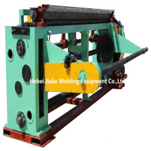 Straight and reverse twisting hexagonal wire mesh knitting machine
