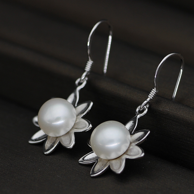 Nature Pearl Earrings