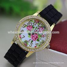 Venta al por mayor diamante dial flor señora silicona caucho correa de reloj