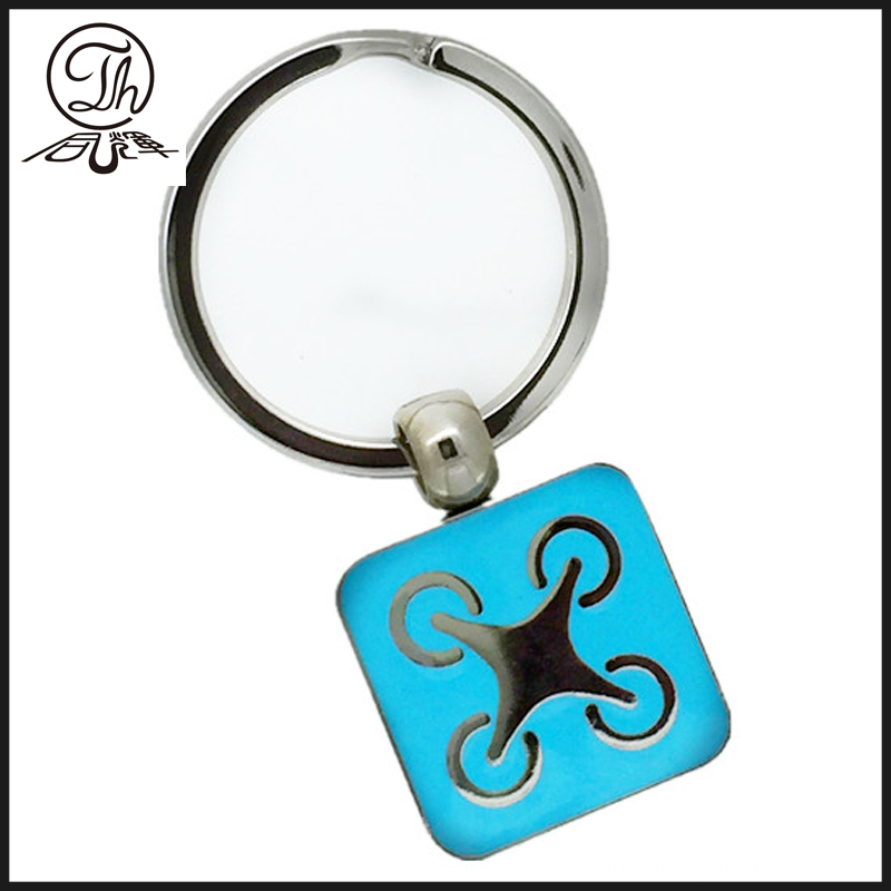 Adhensive Wolf metal pendant keychain for men