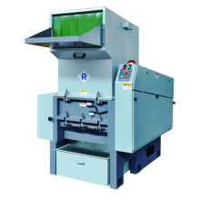 Plastic recycling machine with economical design