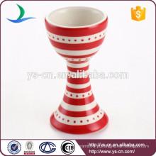Vermelho, stripe, decalque, vinho, copo, padrão, cerâmico, ovo, copo