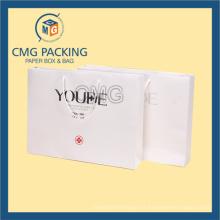 Sac d'emballage de cadeau blanc de surface de Matt d'impression noire (CMG-MAY-037)