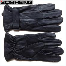 Модные зимние кожаные перчатки с ремешком