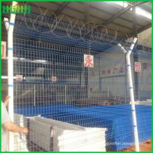 Cerca del aeropuerto de alambre de púas para la seguridad de la prisión