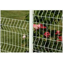 Valla de jardín con revestimiento de PVC