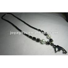Collier en perle à l'hématite magnétique