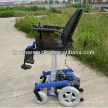 Pequena cadeira de rodas elétrica
