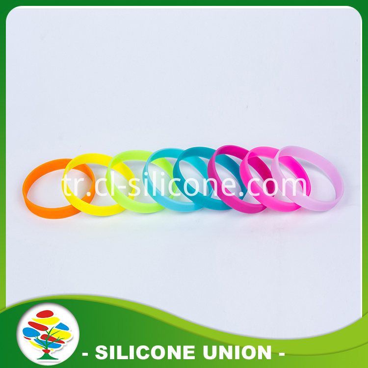 Milticolor Glow In Dark Bracelet