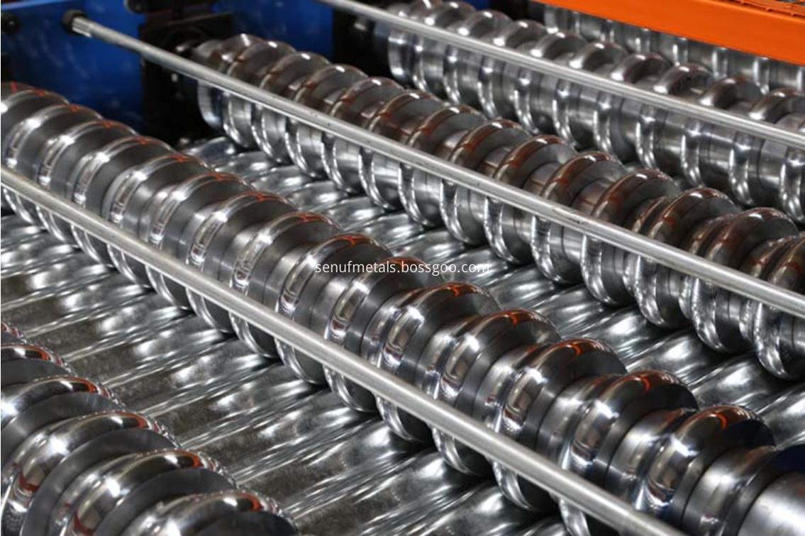 Corrugaed roofing machine rollers