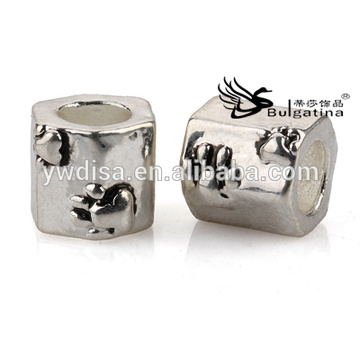 Perlas de los encantos para la joyería, accesorios de la joyería Aleación del cinc Níquel y plomo 2014 nuevos granos del diseño
