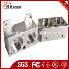Bloc d'aluminium anodisé cnc usinage / cnc cube en aluminium avec filetage M5 centré