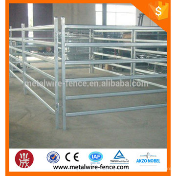 2016 China supplier used metal horse rail fence