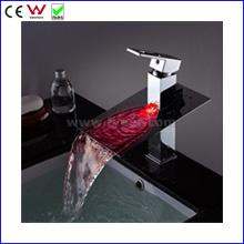 Robinet de lavabo LED à 3 couleurs et à auto-alimentation de 2015 (FD15052F)