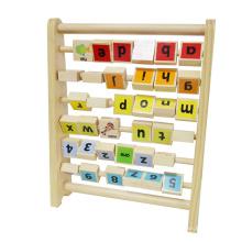 letras educacionais de madeira e número de crianças