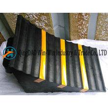 Gummi-Radkeil 285 * 160 * 186 mm mit Streifen