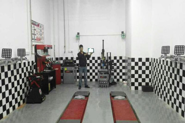 3D Wheel Alignment Installation On Wall