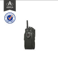 Opérateur de radio de haute qualité de la police professionnelle