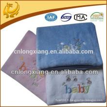Vente en gros de tisserands 100% coton Diverses couleurs brodées Couverture de coton design Tissé à la main pour bébé