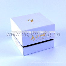 Cartón cosmético de color blanco con divisor para frascos