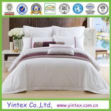 Draps de lit modernes de l'hôtel standard