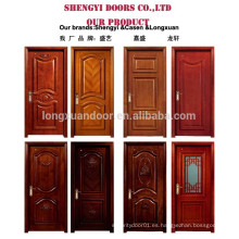 Puerta de madera compuesta de diseño a ras
