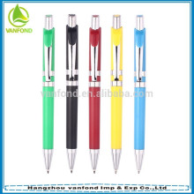 fábrica de caneta empurrando tipo quente vendendo caneta plástica com clip metálico
