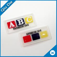 Étiquette en cuir gaufré personnalisé à la lettre 3D pour ceinture