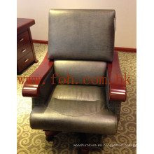 Muebles de Oficina Italian Leather Swivel Wooden Armrest Chair / Director Gerente Presidente / CEO Boss Chair