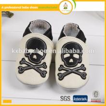 Fabricante 2015 zapatos de bebé de cuero verdaderos baratos genuinos baratos suaves al por mayor de la venta caliente