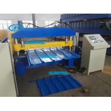 Machine à former des rouleaux de toiture métallique