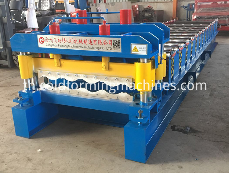 color steel glazed tile roll forming machine