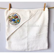 Serviette de bain à capuche 100% coton de qualité peinte à la main Design victorien des enfants jouant