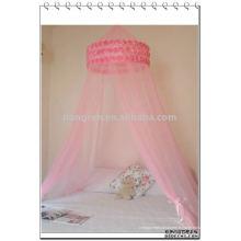 Suspendre les moustiquaires princesses