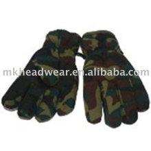 Лыжные перчатки с камуфляжной печатью
