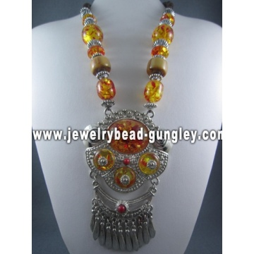 Chunky bridal necklace fashion jewelry