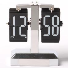 Klassische Flip Clock mit rechteckiger Karte