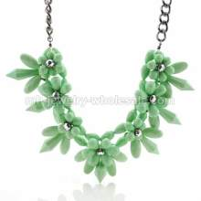 Neue entworfene Acryl Perlen Verbindung Thorn Form antike Halskette